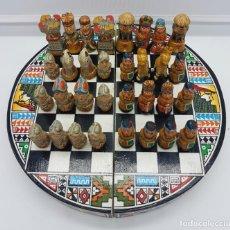 Juegos de mesa: ORIGINAL AJEDREZ MEXICANO DE ESTILO AZTECA, EN MADERA Y TERRACOTA, HECHO Y POLICROMADO A MANO .. Lote 76629943