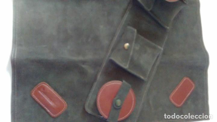 Juegos de mesa: Conjunto de juego de mus con tapete, estuche y posavasos en piel. Ayuntamiento de Madrid - Foto 14 - 79751401