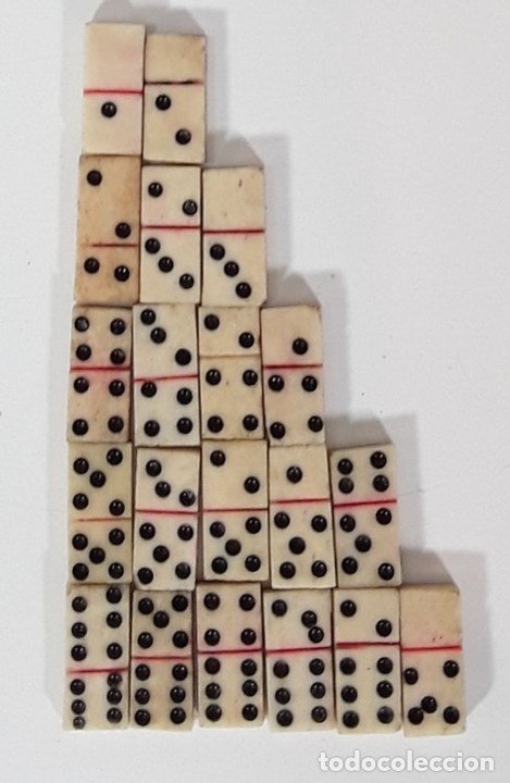 Juegos de mesa: ANTIGUO MINI DOMINO EN RESINA. ESPAÑA. SIGLO XIX. CAJA ORIGINAL. - Foto 4 - 90419454