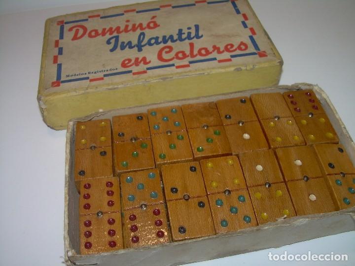 antiguo domino infantil en pequeo juguetes
