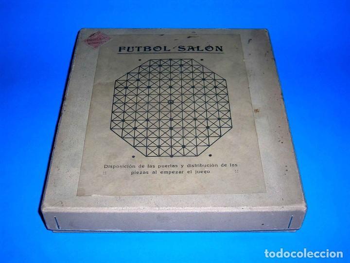 Juegos de mesa: Interesante juego de mesa Fútbol Salón, completo, jugadores, instrucciones, Barcelona año 1924. - Foto 3 - 90773130