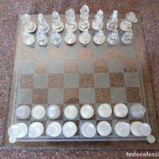 Juegos de mesa: PEQUEÑO AJEDREZ DE CRISTAL - TABLERO DE 25X25 CM - ENVÍO YA INCLUIDO EN EL PRECIO - IMPECABLE ESTADO. Lote 95746863