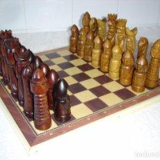 Juegos de mesa: AJEDREZ TALLADO EN MADERA, PIEZAS GRANDES - AÑOS 60. Lote 96175431