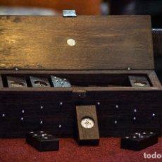 Juegos de mesa: DOMINÓ PALO DE ROSA CON INCRUSTACIONES EN PLATA DE LEY DE 925. TAXCO. MEXICO.. Lote 96187907