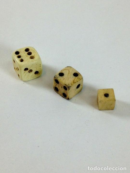Juegos de mesa: COLECCIÓN DE DADOS CON CUBILETE. HUESO. ESPAÑA. SIGLO XIX-XX. - Foto 3 - 99129291