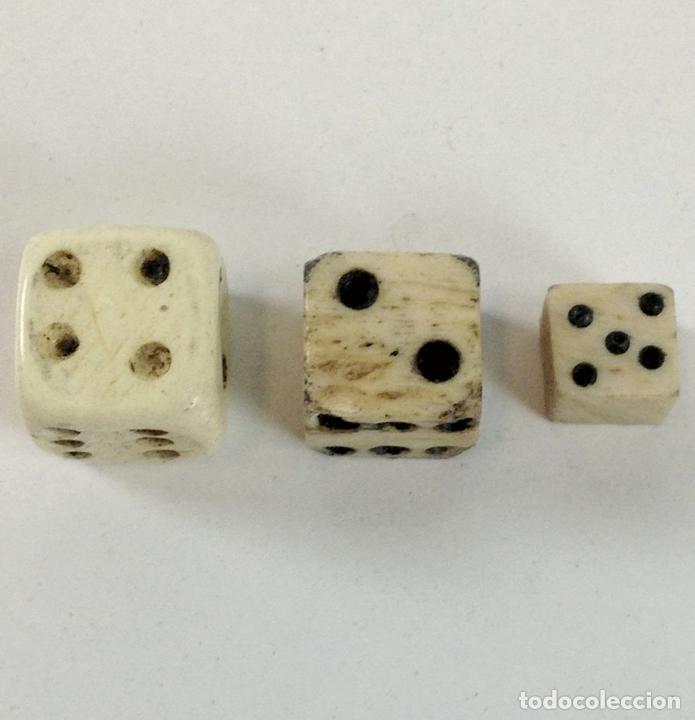 Juegos de mesa: COLECCIÓN DE DADOS CON CUBILETE. HUESO. ESPAÑA. SIGLO XIX-XX. - Foto 4 - 99129291