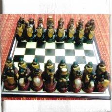 Juegos de mesa: BONITO Y RARO JUEGO DE AJEDREZ CON TABLERO NUEVO EN CAJA. Lote 105081535