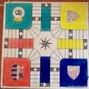 Juegos de mesa: PARCHIS PINTADO A MANO, FUTBOL AÑOS 50. ENVIO CERTIFICADOINCLUIDO EN EL PRECIO. . Lote 101765039