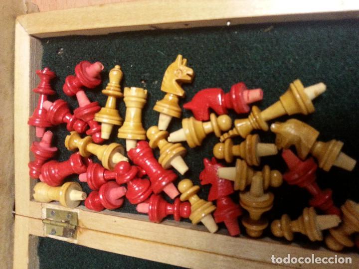 Juegos de mesa: AJEDREZ NUEVO DE VIAJE ESTUCHE Y FIGURAS DE MADERA EN CAJA ORIGINAL DE CARTÓN POSIBLEMENTE AÑOS 60. - Foto 2 - 102189167