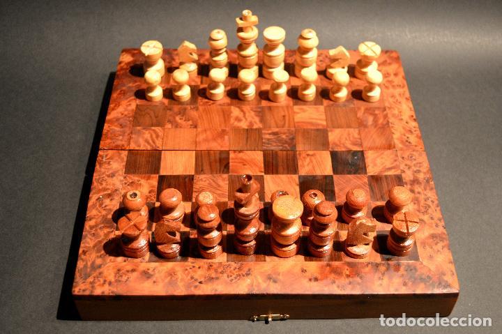 Juegos de mesa: AJEDREZ Y BACKGAMMON EN MARQUETERÍA DE MADERA Y MALETÍN HECHO A MANO - Foto 2 - 103735755