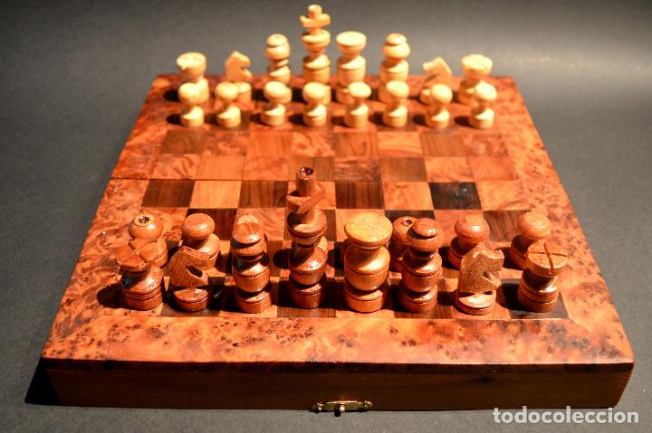 Juegos de mesa: AJEDREZ Y BACKGAMMON EN MARQUETERÍA DE MADERA Y MALETÍN HECHO A MANO - Foto 3 - 103735755