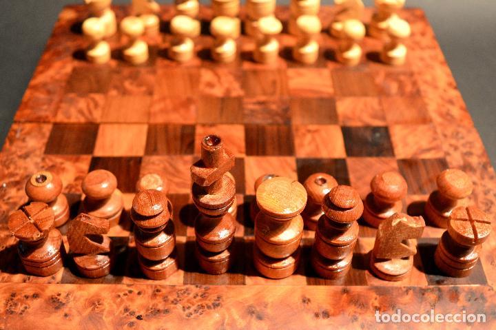 Juegos de mesa: AJEDREZ Y BACKGAMMON EN MARQUETERÍA DE MADERA Y MALETÍN HECHO A MANO - Foto 4 - 103735755