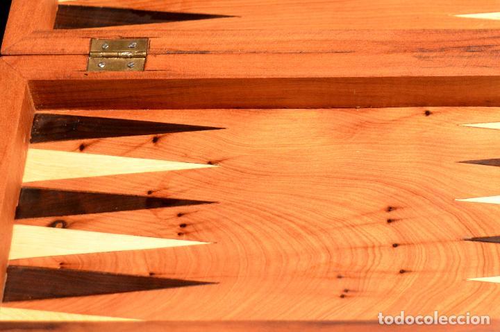 Juegos de mesa: AJEDREZ Y BACKGAMMON EN MARQUETERÍA DE MADERA Y MALETÍN HECHO A MANO - Foto 11 - 103735755