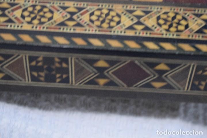 Juegos de mesa: Ajedrez y backgamon realizado en marqueteria con incrustaciones de maderas nobles y nacar - Foto 2 - 107000963