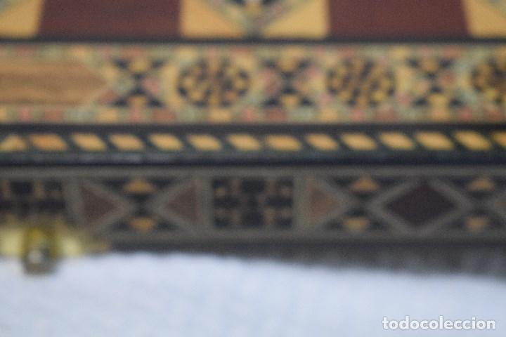 Juegos de mesa: Ajedrez y backgamon realizado en marqueteria con incrustaciones de maderas nobles y nacar - Foto 11 - 107000963