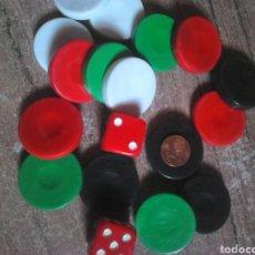 Juegos de mesa: LOTE 18,FICHAS Y DADOS DE UN JUEGO DE MESA,VER FOTOS. Lote 108380299