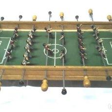 Juegos de mesa: FUTBOLÍN RCD ESPAÑOL Y FC BARCELONA SOBREMESA AÑOS 60, MADERA. MED. CAMPO 90 X 44 X 20 CM. Lote 112482151