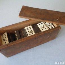 Juegos de mesa: ANTIGUO JUEGO DOMINO EN MADERA. Lote 112787571