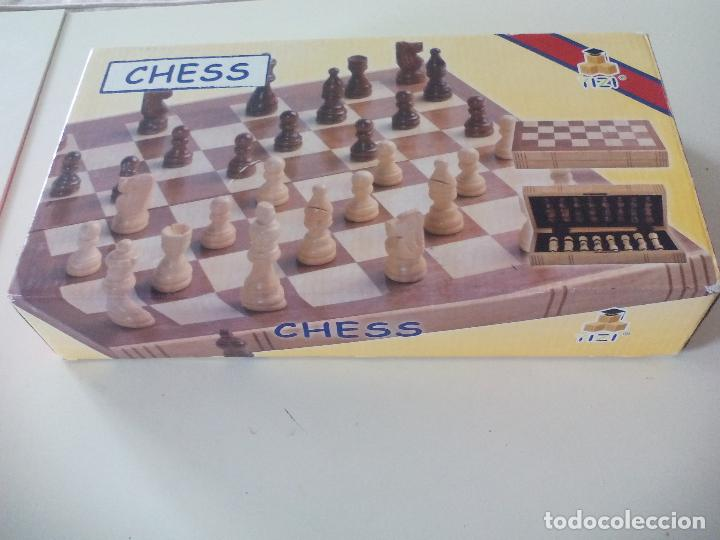 JUEGO DE AJEDREZ, TABLERO Y PIEZAS DE MADERA (Juguetes - Juegos - Juegos de Mesa)