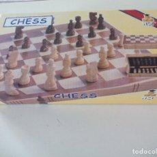Juegos de mesa: JUEGO DE AJEDREZ, TABLERO Y PIEZAS DE MADERA. Lote 113866691