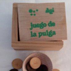 Juegos de mesa: CAJA DE MADERA JUEGO DE LA PULGA - MINIATURA. Lote 119339855