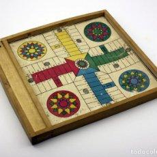 Juegos de mesa: ANTIGUO TABLERO DEL PARCHIS Y LA OCA - MARCO DE MADERA - PROBABLE - AÑOS 50 / 60. Lote 120548811