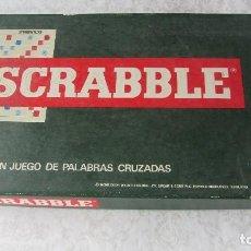 Juegos de mesa: CAJA CON EL POPULAR JUEGO DE PALABRAS CRUZADAS SCRABBLE. Lote 121821215
