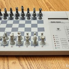 Juegos de mesa: AJEDREZ ELECTRONICO RADIO SHACK. Lote 121872967