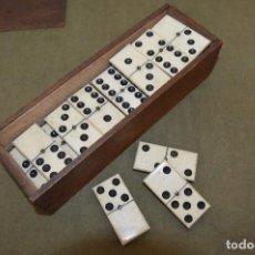 Juegos de mesa: MAGNÍFICO Y ANTIGUO ¨DOMINÓ¨ ÉBANO Y HUESO, GRAN TAMAÑO Y CALIDAD, FALTA UNA FICHA.. Lote 126249187