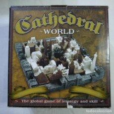 Juegos de mesa: CATHEDRAL WORLD - EL MUNDO DE LA CATEDRAL - FAMILY GAMES . Lote 128824923