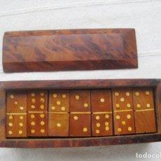 Juegos de mesa: DOMINÓ EN MADERA DE THUYA HECHO ARTESANALMENTE EN ÁFRICA , COMPLETO SIN USO. Lote 133003194