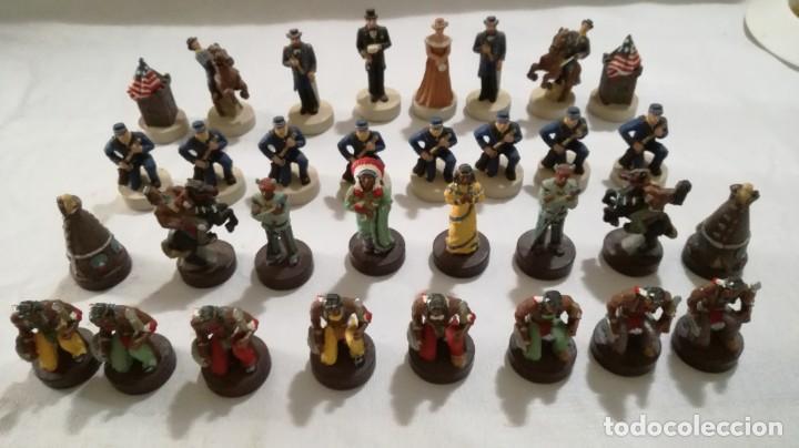 AJEDREZ DE RESINA TEMATICO ANTIGUO OESTE AMERICANO- INDIOS- SOLDADOS (Juguetes - Juegos - Juegos de Mesa)