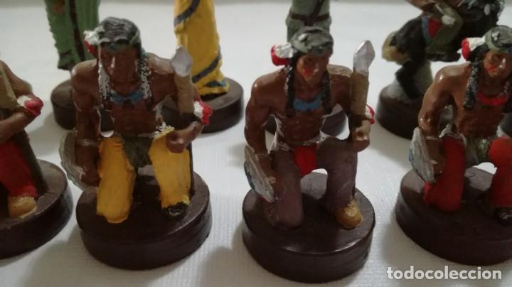Juegos de mesa: AJEDREZ DE RESINA TEMATICO ANTIGUO OESTE AMERICANO- INDIOS- SOLDADOS - Foto 4 - 133385950