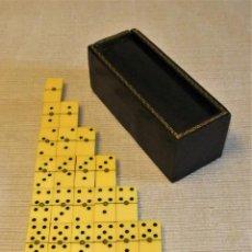 Juegos de mesa: ANTIGUO DOMINÓ DE VIAJE EN ESTUCHE DE PIEL. Lote 134955170