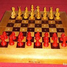 Juegos de mesa: AJEDREZ DE VIAJE DE MADERA. Lote 135683619