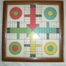 Juegos de mesa: ANTIGUO TABLERO DE PARCHÍS. Lote 136300062