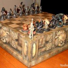 Jogos de mesa: ALIEN VS PREDATOR LIMITED EDITION CHESS SET ( SOTA TOYS 2004 ). Lote 137887522