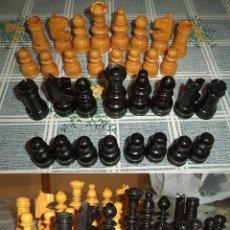 Juegos de mesa: AJEDREZ DE MADERA CLASICO GRANDE PIEZAS DE 7 A 4 CM. CON CAJA . Lote 140335426