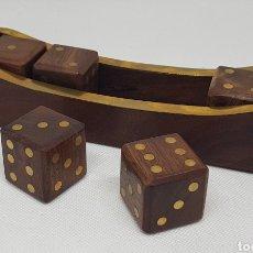 Juegos de mesa: LOTE DADOS DE GRAN TAMAÑO EN ESTUCHE - MADERA - CAR128. Lote 140570346