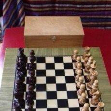 Juegos de mesa: AJEDREZ STAUTON DECORADO. EN MADERA DE BOJ NATURAL Y TEÑIDA CAOBA LA PARTE OSCURA. BARNIZADO SATINAD. Lote 142697338
