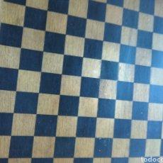 Juegos de mesa: TABLERO DE DAMAS Y AJEDREZ MUY ANTIGUO EN MADERA. Lote 144951062