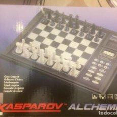 Juegos de mesa: AJEDREZ ELECTRÓNICO KASPAROV ALCHEMIST. Lote 145166602