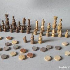Juegos de mesa: PIEZAS ANTIGUAS DE UN AJEDREZ DE MADERA. Lote 148929658