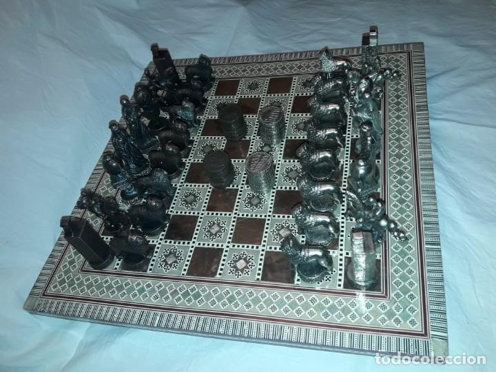 Juegos de mesa: Maravilloso conjunto ajedrez, damas, tablero de taracea nácar madreperla y baúl motivos granadinos - Foto 2 - 157246334