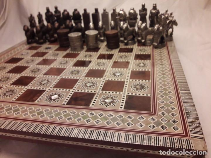 Juegos de mesa: Maravilloso conjunto ajedrez, damas, tablero de taracea nácar madreperla y baúl motivos granadinos - Foto 5 - 157246334