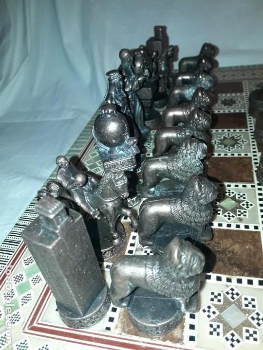 Juegos de mesa: Maravilloso conjunto ajedrez, damas, tablero de taracea nácar madreperla y baúl motivos granadinos - Foto 8 - 157246334