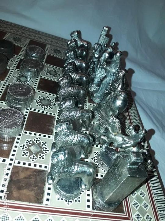 Juegos de mesa: Maravilloso conjunto ajedrez, damas, tablero de taracea nácar madreperla y baúl motivos granadinos - Foto 9 - 157246334