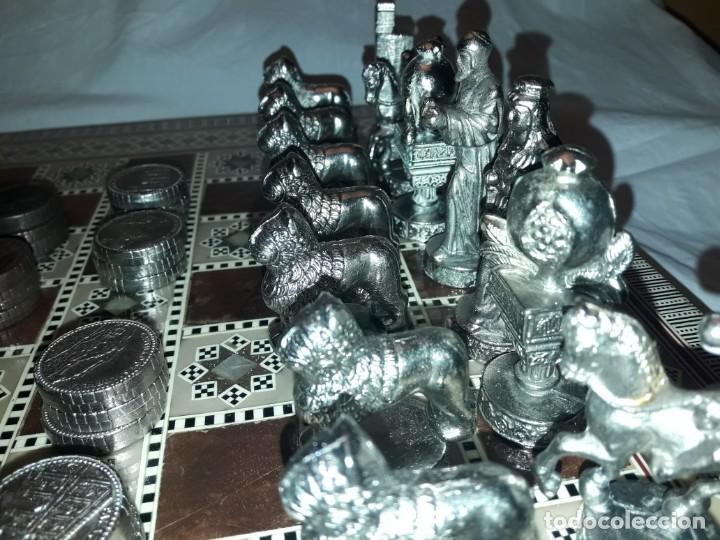 Juegos de mesa: Maravilloso conjunto ajedrez, damas, tablero de taracea nácar madreperla y baúl motivos granadinos - Foto 11 - 157246334