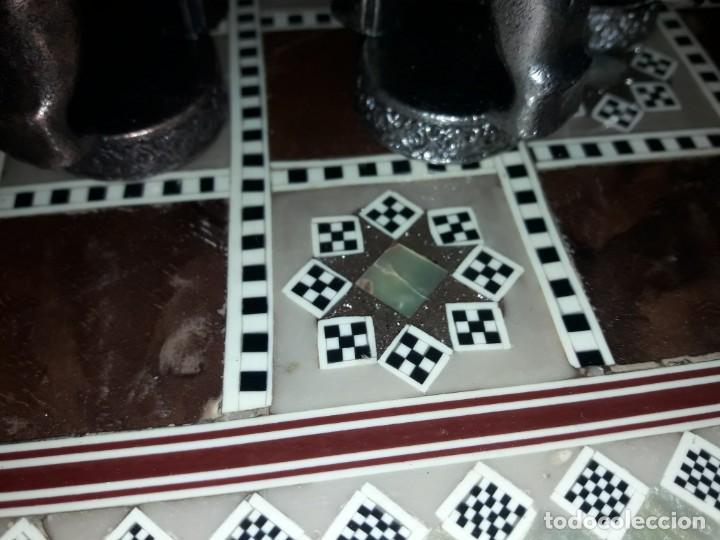 Juegos de mesa: Maravilloso conjunto ajedrez, damas, tablero de taracea nácar madreperla y baúl motivos granadinos - Foto 21 - 157246334