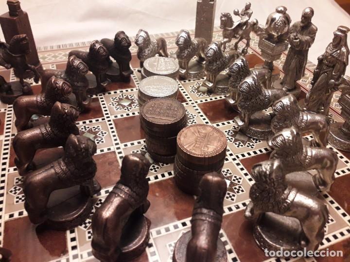 Juegos de mesa: Maravilloso conjunto ajedrez, damas, tablero de taracea nácar madreperla y baúl motivos granadinos - Foto 25 - 157246334